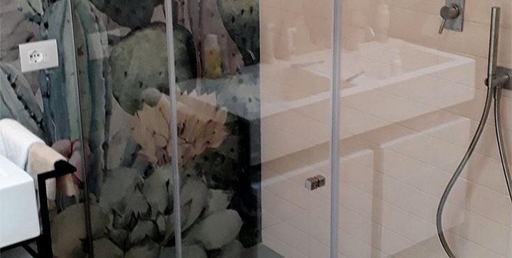 Box Doccia in Vetro Temperato con Porta a Battente | VETRERIA GBM